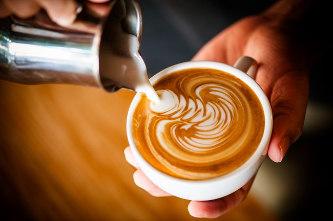 how to make latte art frothy milk from milk pitcher